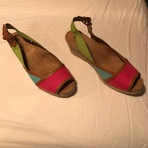 Tri color wedges
